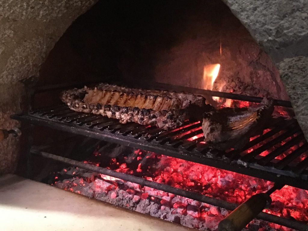 Degusta nuestras carnes a la brasa